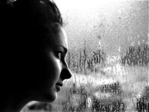 Мелкий-дождик-стучит-в-мои-окна
