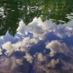 Облака в реке